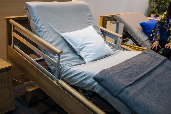 Best Hospital Bed Manufacturers for Home Beds